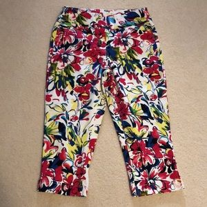 CAPRIS:  Westbound size 8 pull on capris
